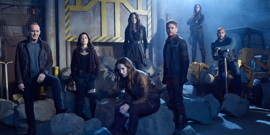 agents-of-shield-season-5-cast-feat.jpg.7f4909d456161e4df80d43e89160aaa0.jpg