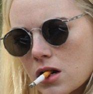 emma-stone-annie-landsberg-maniac-sunglasses.jpg.3614810cf707c59c5efb5e603d247054.jpg
