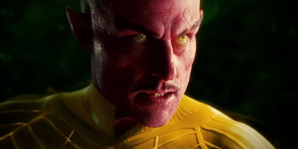 Green-Lantern-Movie-Sinestro-Yellow.thumb.jpg.86e27ab9216d98e6894c25f91b7c3c1d.jpg