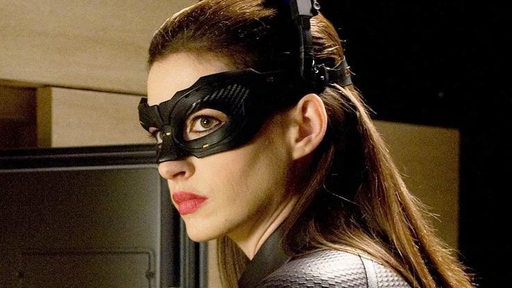 5719296_Catwoman-Anne-Hathaway-Catwoman-1.png.134619bca9c8b155d680c5d1ca2e93eb.png